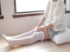 [森萝财团]萝莉丝足写真 JKFUN-009 50D白丝按摩仪